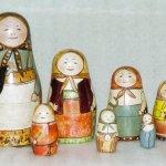 Matrioșca – simbolul femeii încorsetate