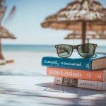 13 cărți care te pregătesc de vacanță
