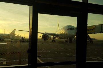 avion-aeroport-otopeni