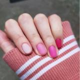 manichiura cu gel bio sculpture în nuanțe de roz
